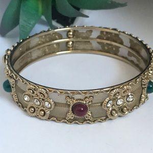 Jewelry - Vintage gold mesh stone bangle
